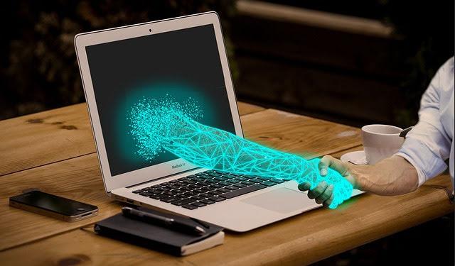 Trasformazione digitale - Photo credit: Foto di kiquebg da Pixabay