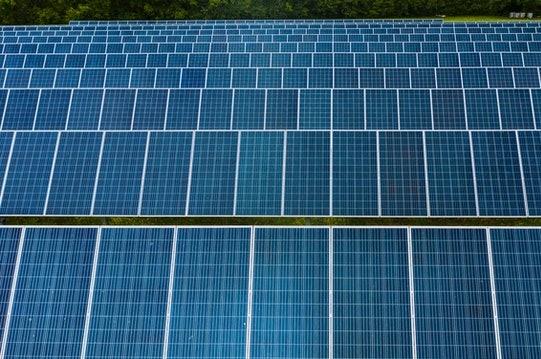 Agrivoltaico - Foto di Kelly Lacy da Pexels